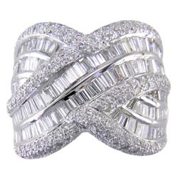 L1166 18KW Diamond Ring