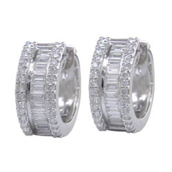 E1654 18KW Diamond Earrings