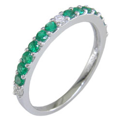 L2500 18KW Emerald and Diamond Band
