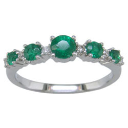 L2523 18KW Emerald and Diamond Band